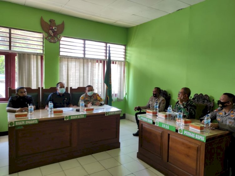 Kapolres Ende Hadiri Rapat Koordinasi Terkait Rencana Pelaksanaan Eksekusi Tanah Di Kelurahan Tanjung