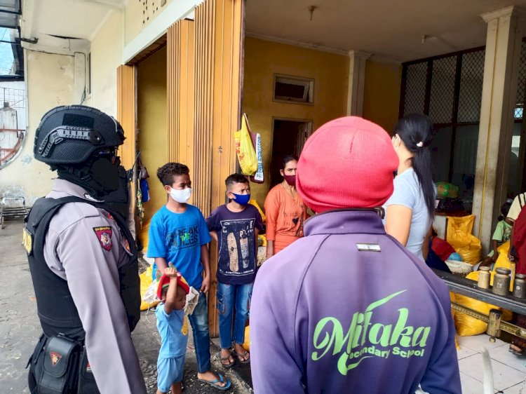 Patroli URC Sat Sabhara Polres Ende Tingkatkan Sambang Ke Pusat Pertokoan