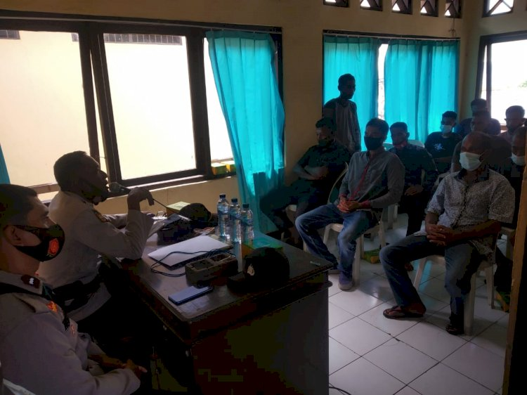 Kapolsek  Pulau Ende Bersama Kanit Binmas Gelar Tatap Muka Dengan Warga Masyarakat Desa Puutara