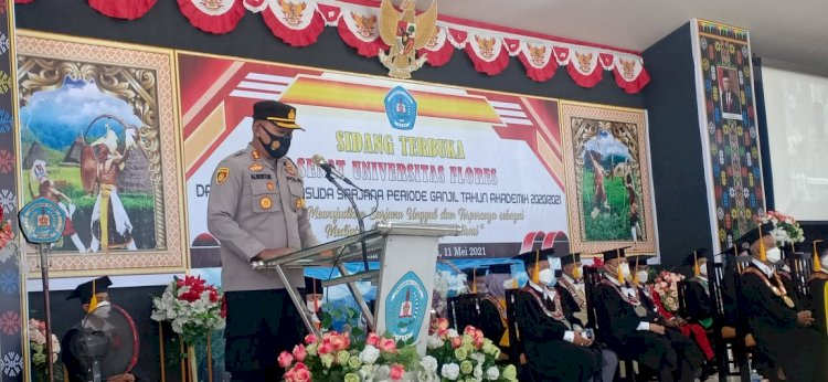 Kapolres Ende Hadiri Sidang Terbuka Senat Universitas Flores Wisuda Sarjana Periode Ganjil Tahun Akademik 2020/2021