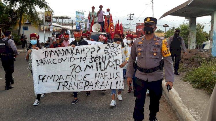 Kabagops Polres Ende Kawal Dan Pimpin Langsung Pengamanan Aksi Unjuk Rasa Damai Dari PMKRI Cabang Ende