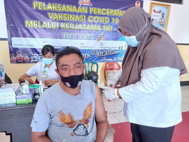Tuntaskan Program Vaksinasi Covid-19, Personel Polres Ende Laksanakan Vaksinasi Tahap II