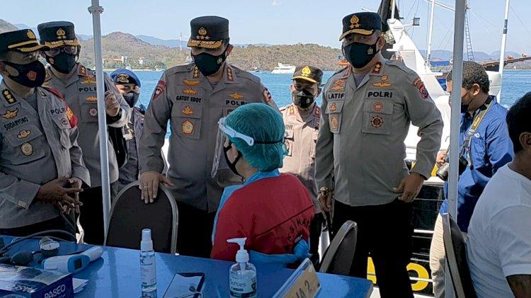 Wakapolri Beri Apresiasi Pelaksanaan Vaksinasi Terapung Polda NTT, Bentuk Pelayanan Terhadap Masyarakat Nelayan di Kepulauan
