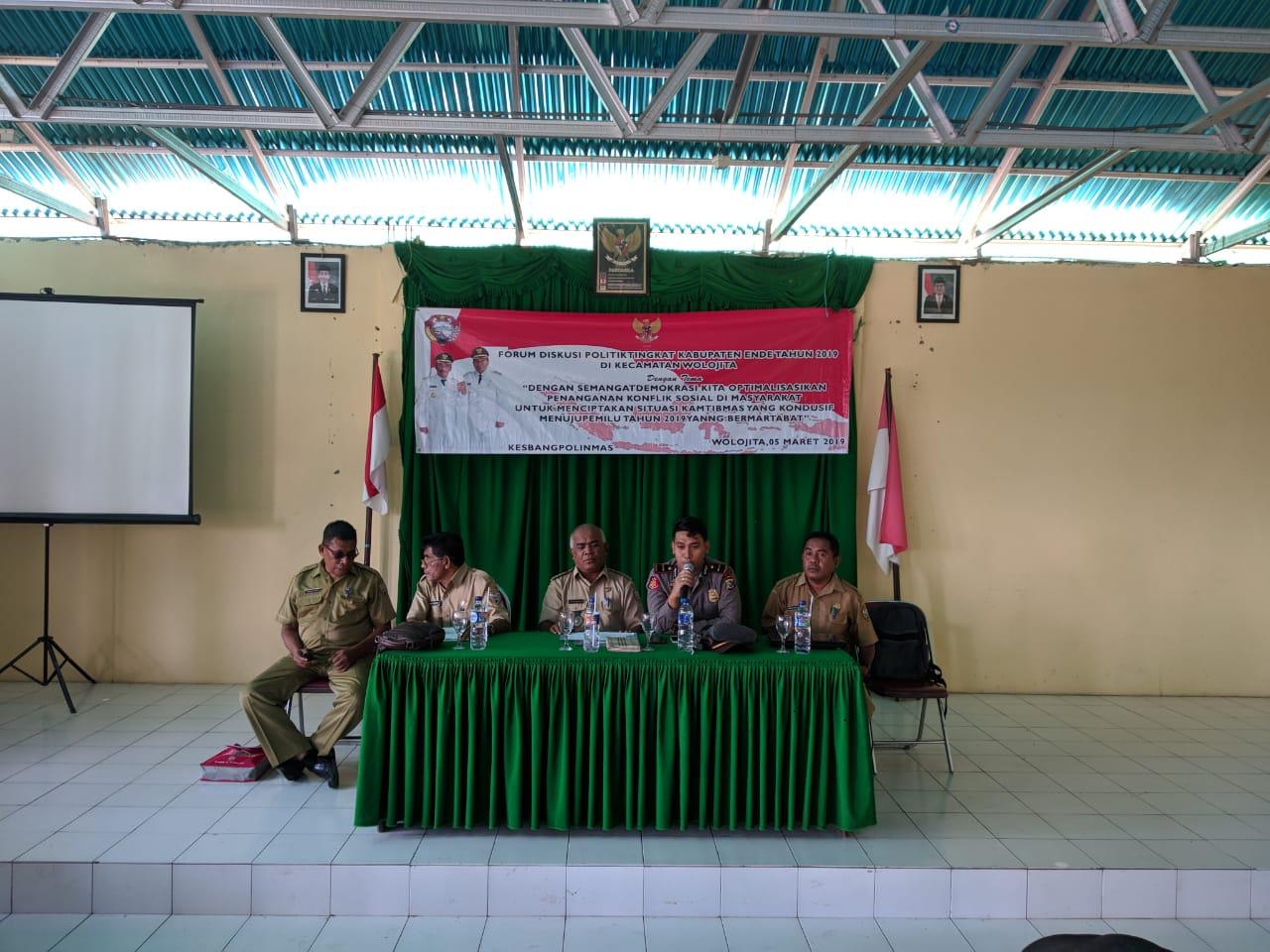 Kapolsek Wolowaru Hadiri Giat Forum Diskusi Politik Tingkat Kabupaten Ende Tahun 2019 di Kecamatan Wolojita