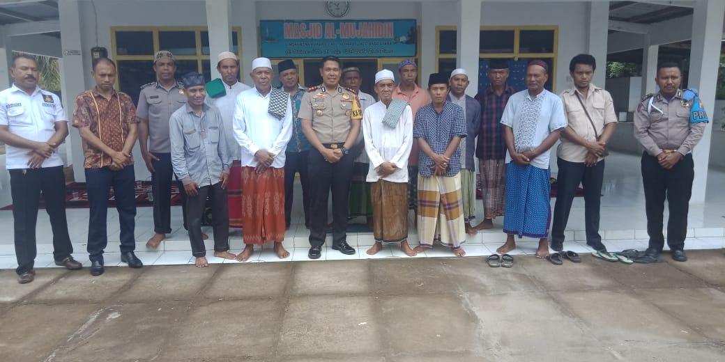 Jalin Kemitraan,Kapolres Ende Silaturahmi Dengan Pengurus Mesjid Al Mujahidin