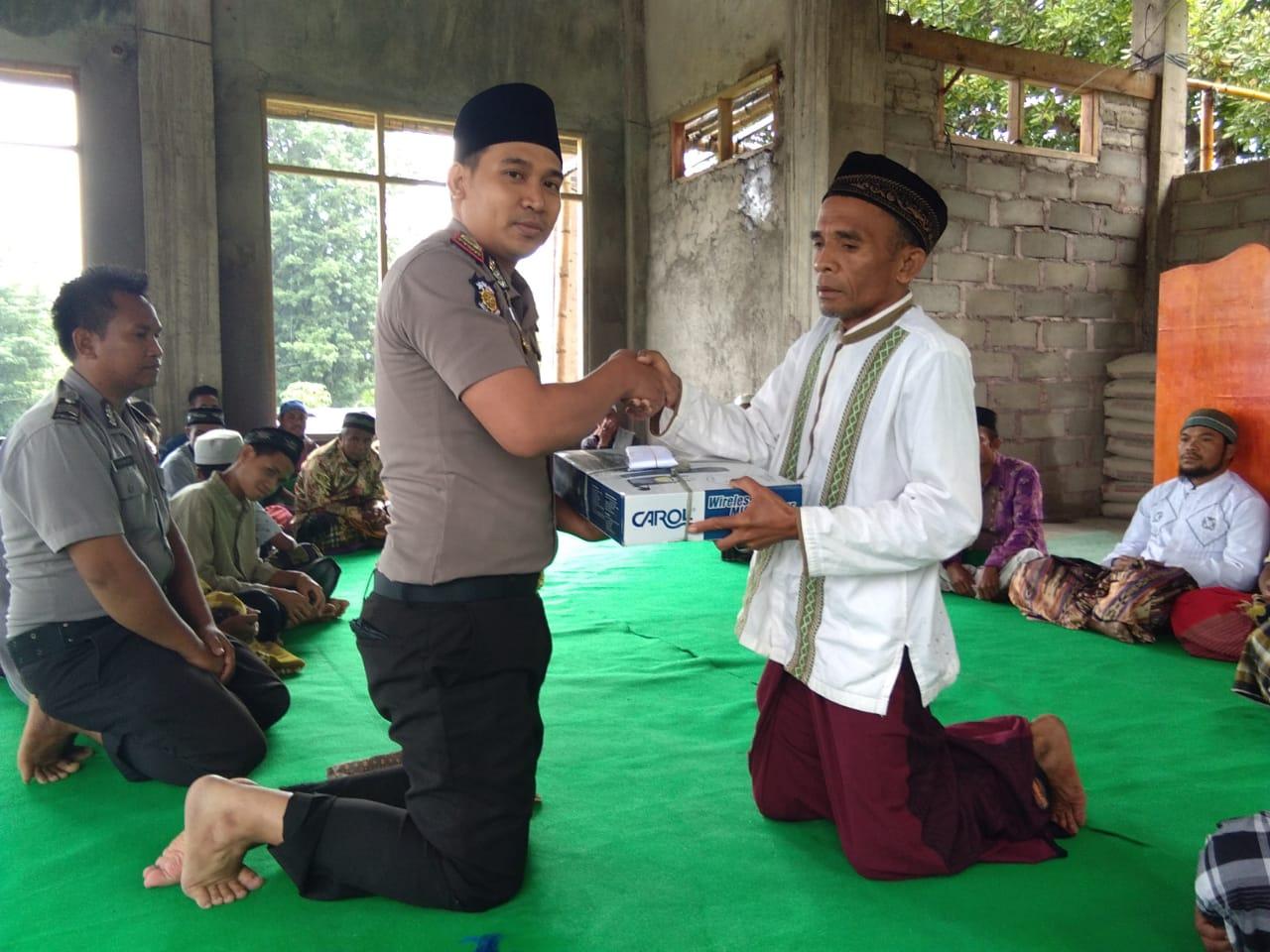 Jumat Berkah, Kapolsek Wolowaru Silaturahmi Ke Mesjid Al-Mutaqin Wologawi