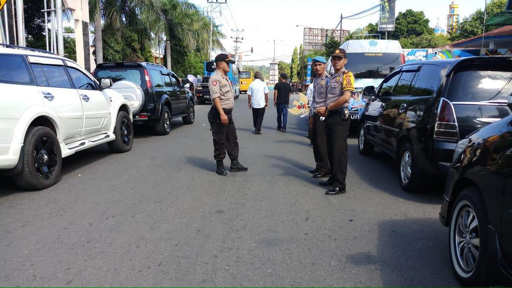 Polres Ende Melaksanakan Pengawalan / Pengamanan Pemakaman Jenasah Almarhum Bupati Ende