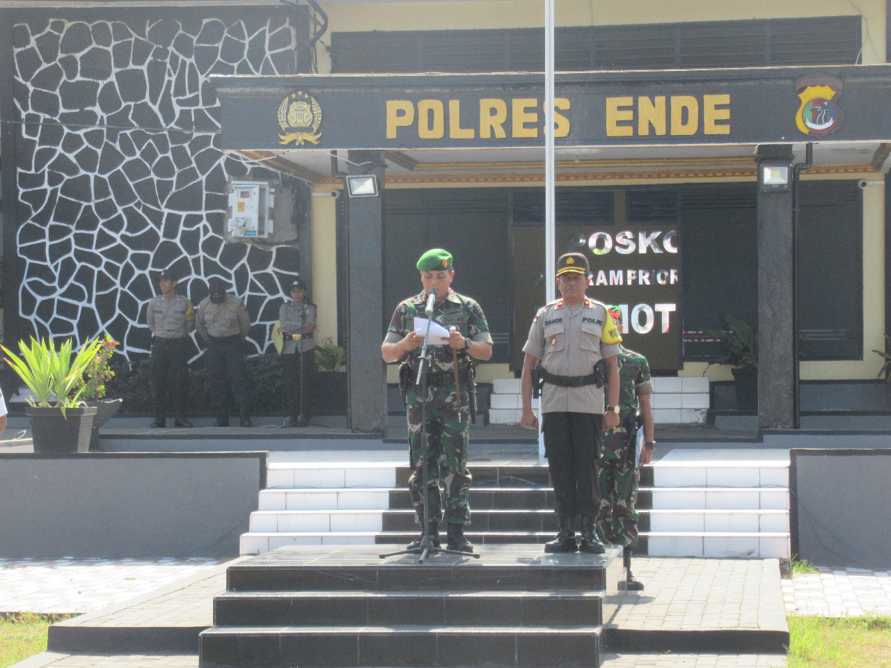 Apel Kesiap-Siagaan Polres Ende bersama TNI, Jelang Pelantikan Presiden Dan Wakil Presiden RI